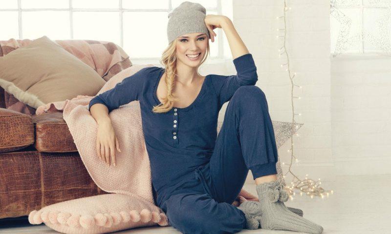 История возникновения женской пижамы.